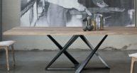 psací nebo jídelní stůl